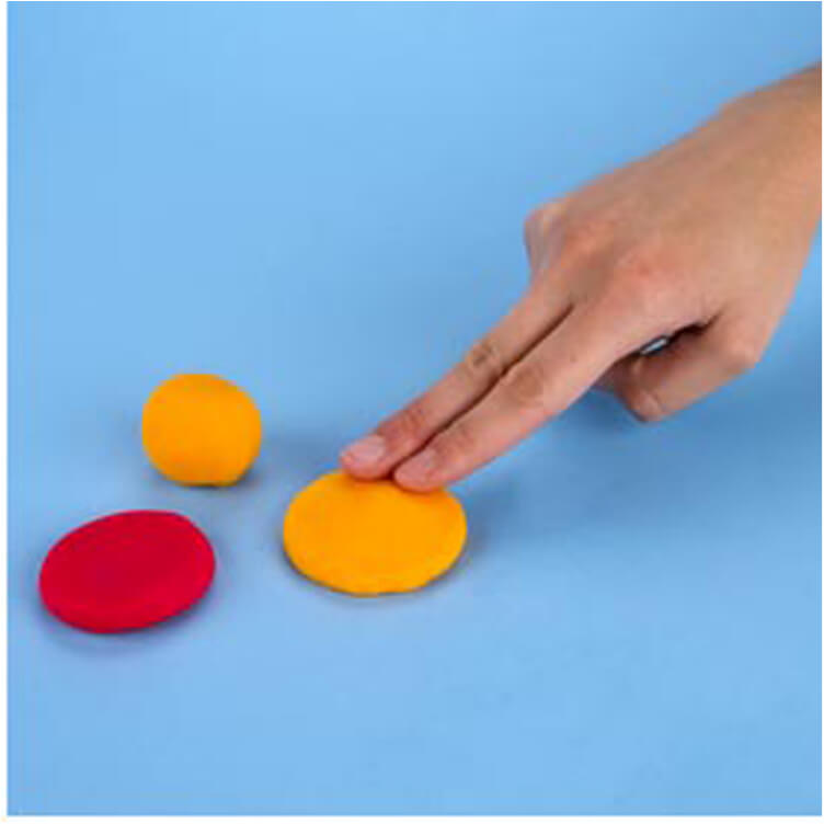how to make a pretend hamburger with PlayDoh dough compound step one