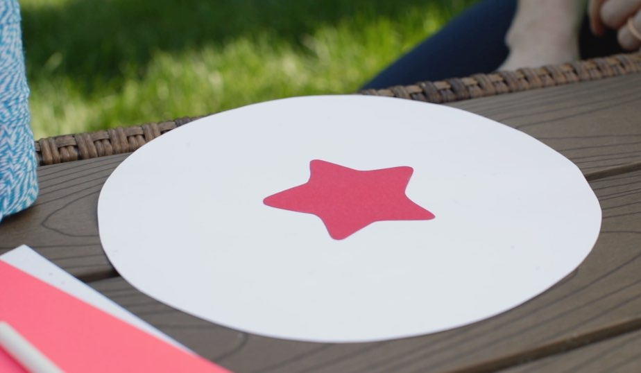 card stock circle with star in center